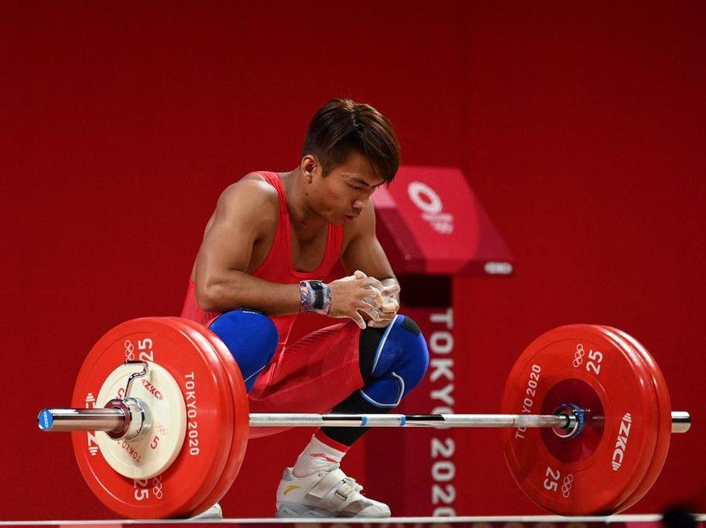 Olimpiade Tokyo: Deni Gagal Sumbang Medali dari Angkat Besi