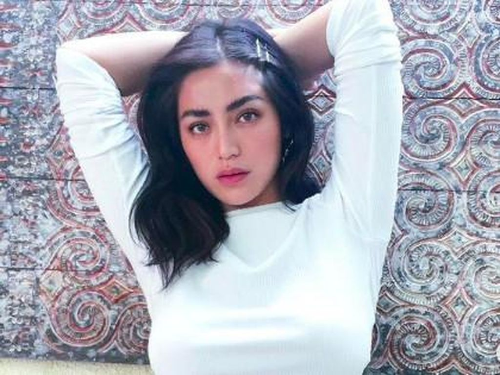 Si Seksi Jessica Iskandar yang Curi Perhatian