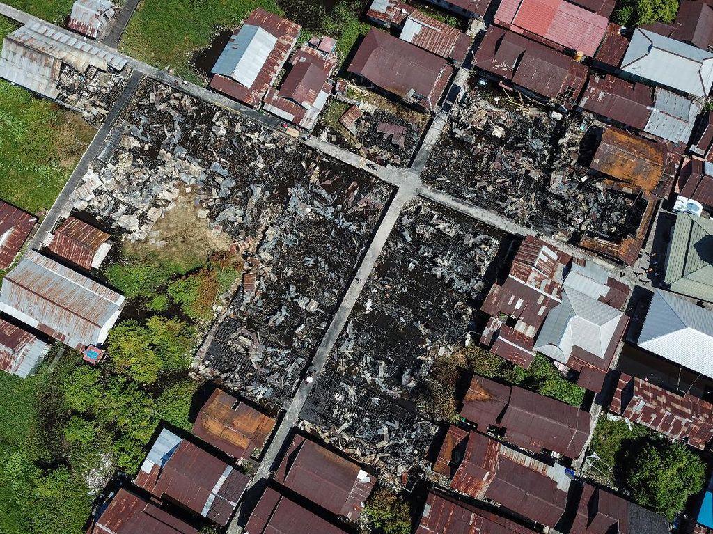 Foto Udara Kebakaran di Pemukiman Padat Palangkaraya