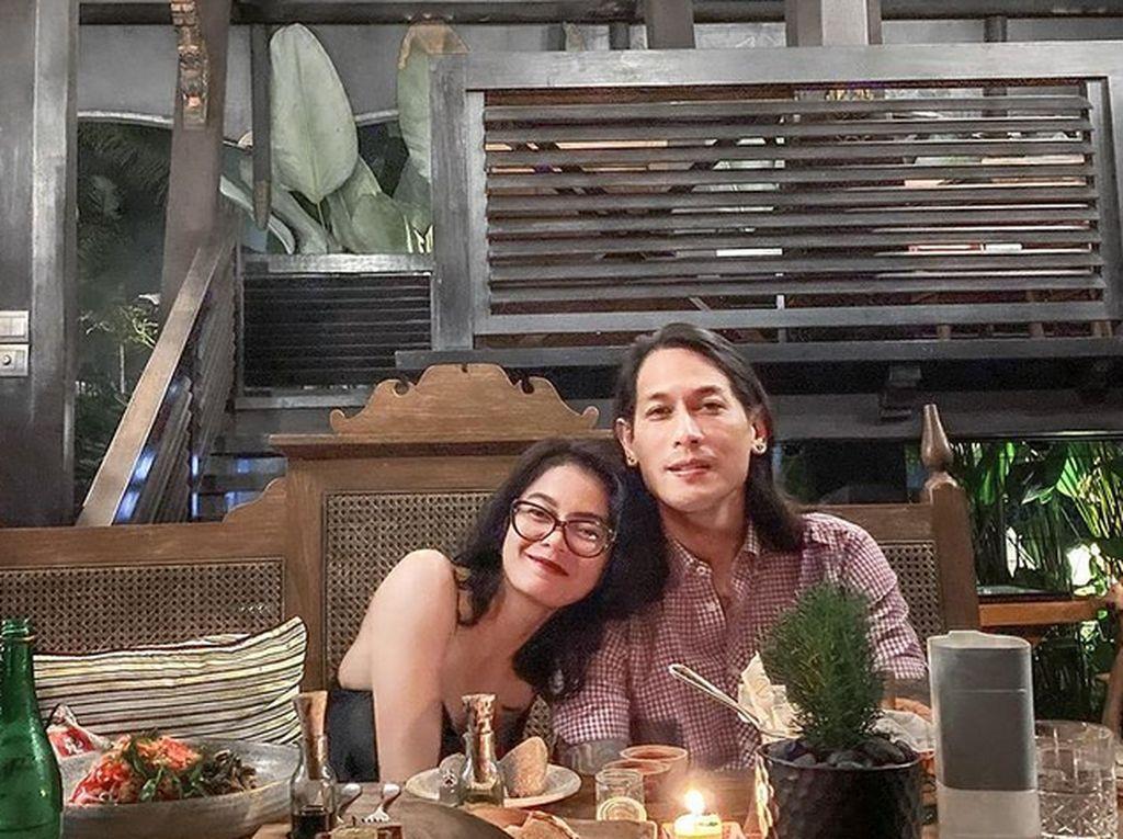 Ucapan Chef Juna Soal Momongan Jadi Viral, Ini Potret Mesranya dengan Kekasih