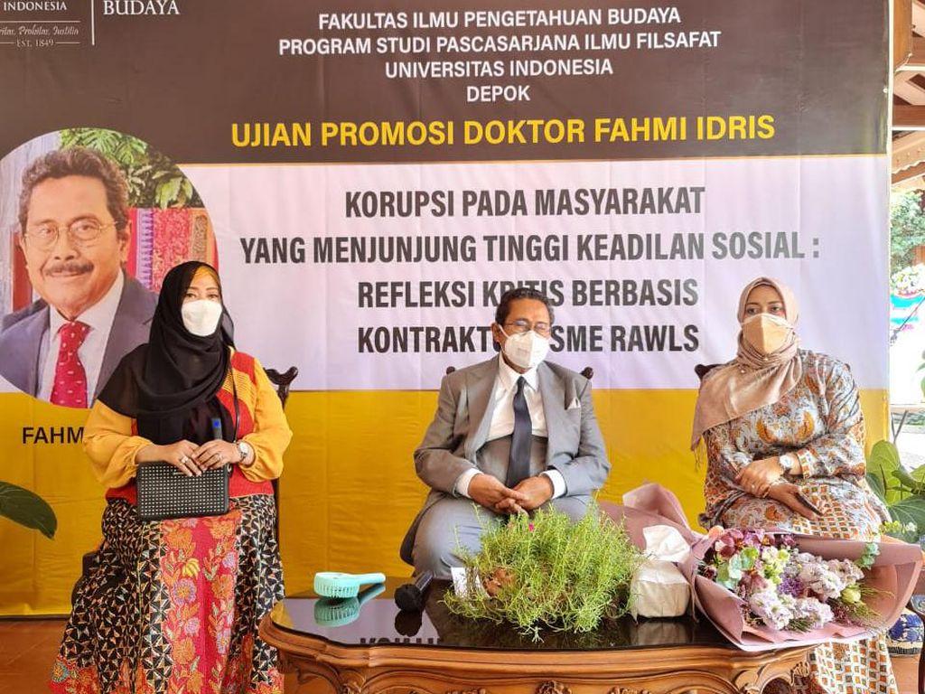 Ujian Disertasi soal Korupsi, Fahmi Idris Raih Gelar Doktor Ilmu Filsafat