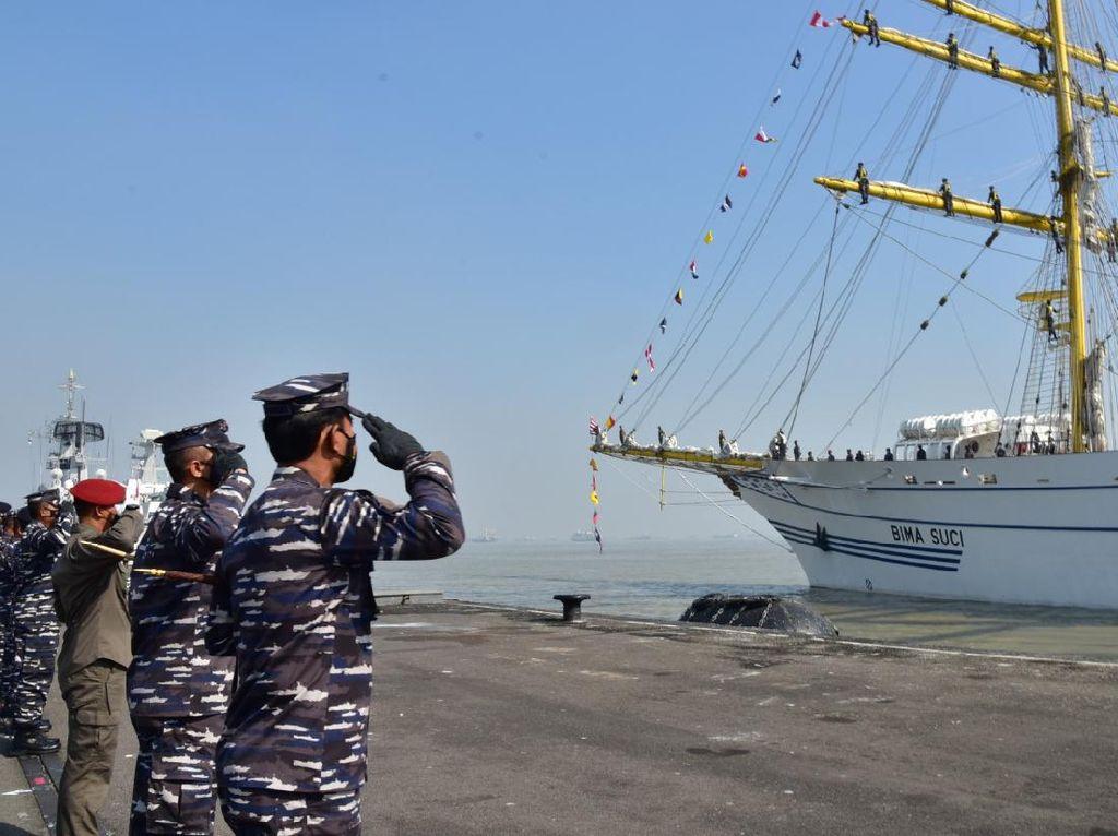 KRI Bima Suci Kembali Berlayar Arungi Lautan Nusantara
