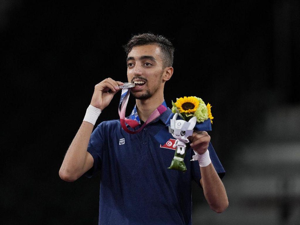 Viral Atlet Olimpiade Mirip Bruno Fernandes