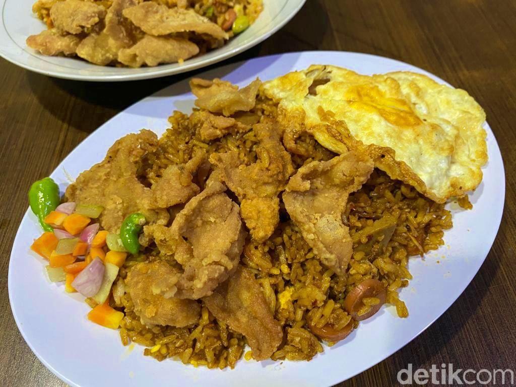 Nasi Goreng Receh : Makan Hemat Nasgor Pete Teri dan Nasgor Kulit Porsi Mantap