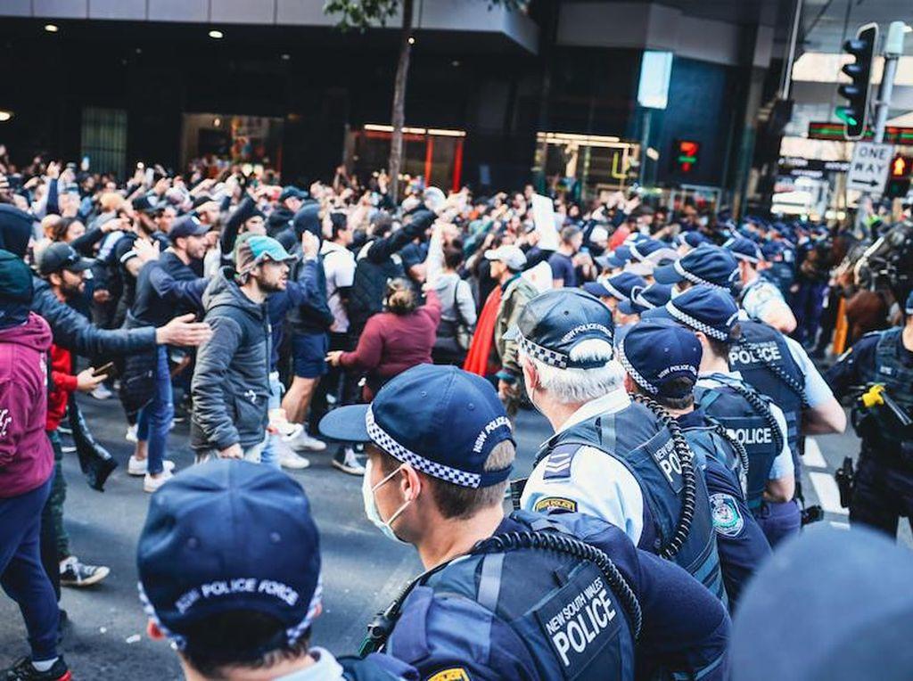 Kericuhan Warnai Aksi Protes Anti-Lockdown di Australia