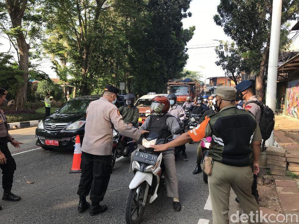 Tak Bawa STRP, 175 Kendaraan Diputar Balik di Lenteng Agung Pagi Ini
