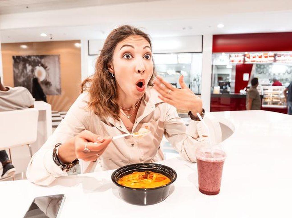 Aturan Makan 20 Menit, Ini 5 Risiko Penyakit karena Makan Terlalu Cepat