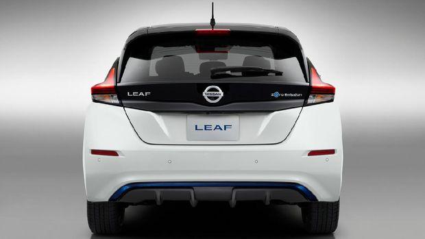 Mobil listrik Nissan Leaf.