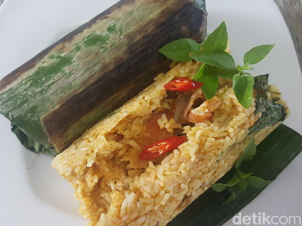 Resep Nasi Bakar Ayam Kemangi yang Pedas Nendang