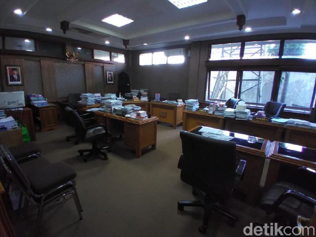 Kronologi Para Anggota DPRD Solo Karaoke-Joget Bersama di Ruang Komisi