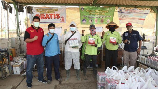CT Arsa dan Kemensos bagikan donasi makanan untuk nakes, Rabu (28/7).