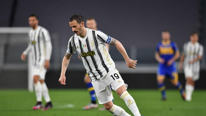 TURIN, ITALY - APRIL 21:  Leonardo Bonucci of Juventus in action during the Serie A match between Juventus  and Parma Calcio at Allianz Stadium on April 21, 2021 in Turin, Italy.  (Photo by Valerio Pennicino/Getty Images )