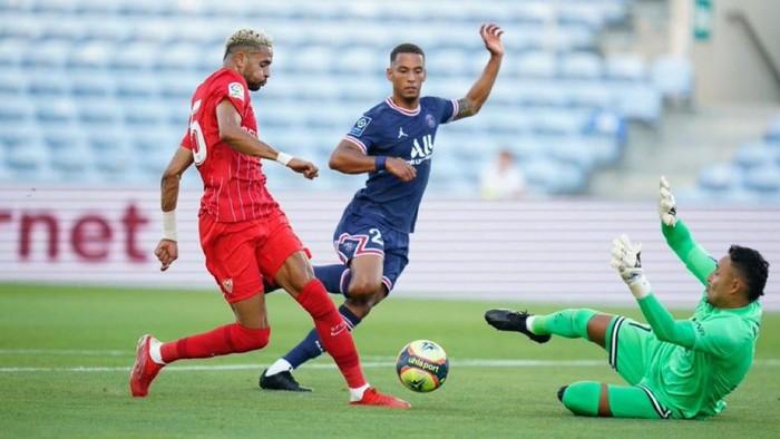 Laga pramusim Sevilla vs Paris Saint-Germain di Algarve, Selasa (27/7/2021).