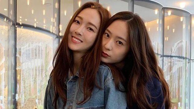 Jessica dan Krystal / Foto : instagram.com/vousmevoyez