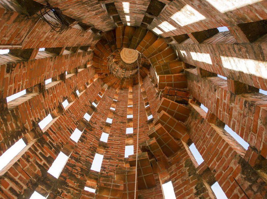 Megahnya Gereja dari Batu Bata di Uruguay
