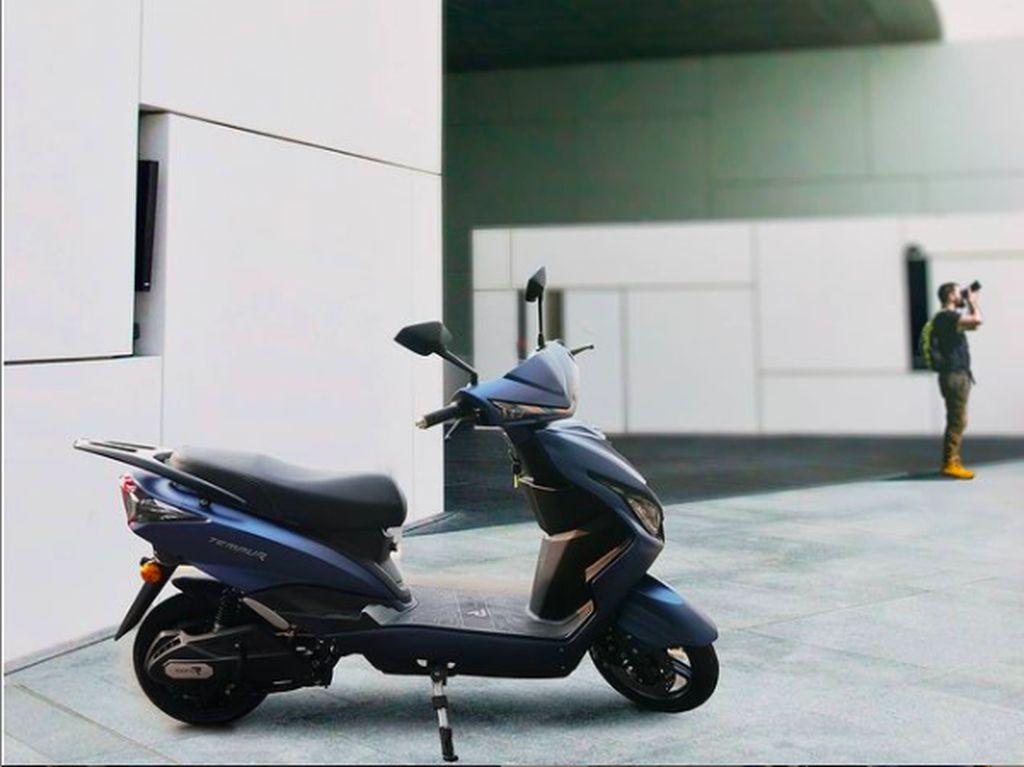Indonesia Kedatangan Motor Listrik Baru, Praktis Enggak Perlu Charger