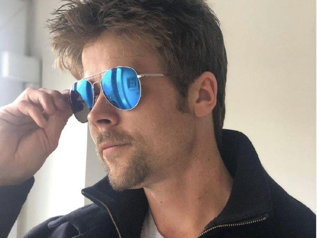 Punya Wajah Ganteng Mirip Brad Pitt, Pria Ini Justru Susah Cari Pacar