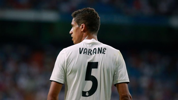 MADRID, SPAIN - AUGUST 11: Raphael Varane of Real Madrid CF in action during the Santiago Bernabeu Trophy between Real Madrid CF and AC Milan at Estadio Santiago Bernabeu on August 11, 2018 in Madrid, Spain. (Photo by Gonzalo Arroyo Moreno/Getty Images)