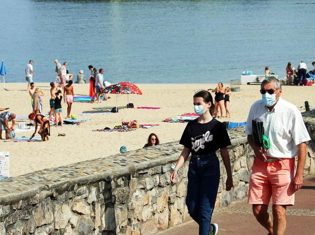 Varian Delta Bikin Prancis Wajib Masker Lagi