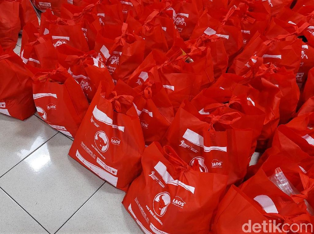 Bantuan Sosial untuk Warga Terdampak Pandemi di Bandung