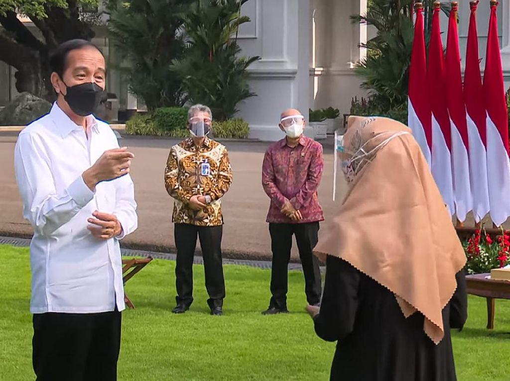 Dampingi Jokowi Salurkan BLT UMKM, BRI Paparkan Strategi Optimalisasi