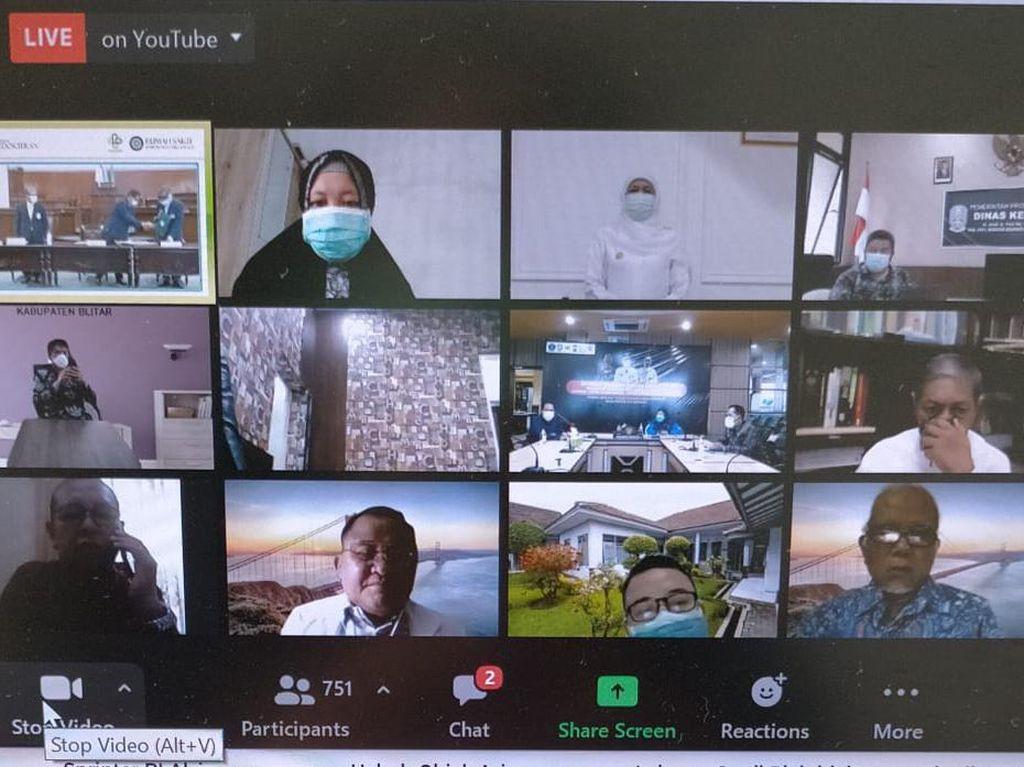 Khofifah Minta Walkot Eri Transparan Soal Data Kematian: Mbok Dijelasno To Pak