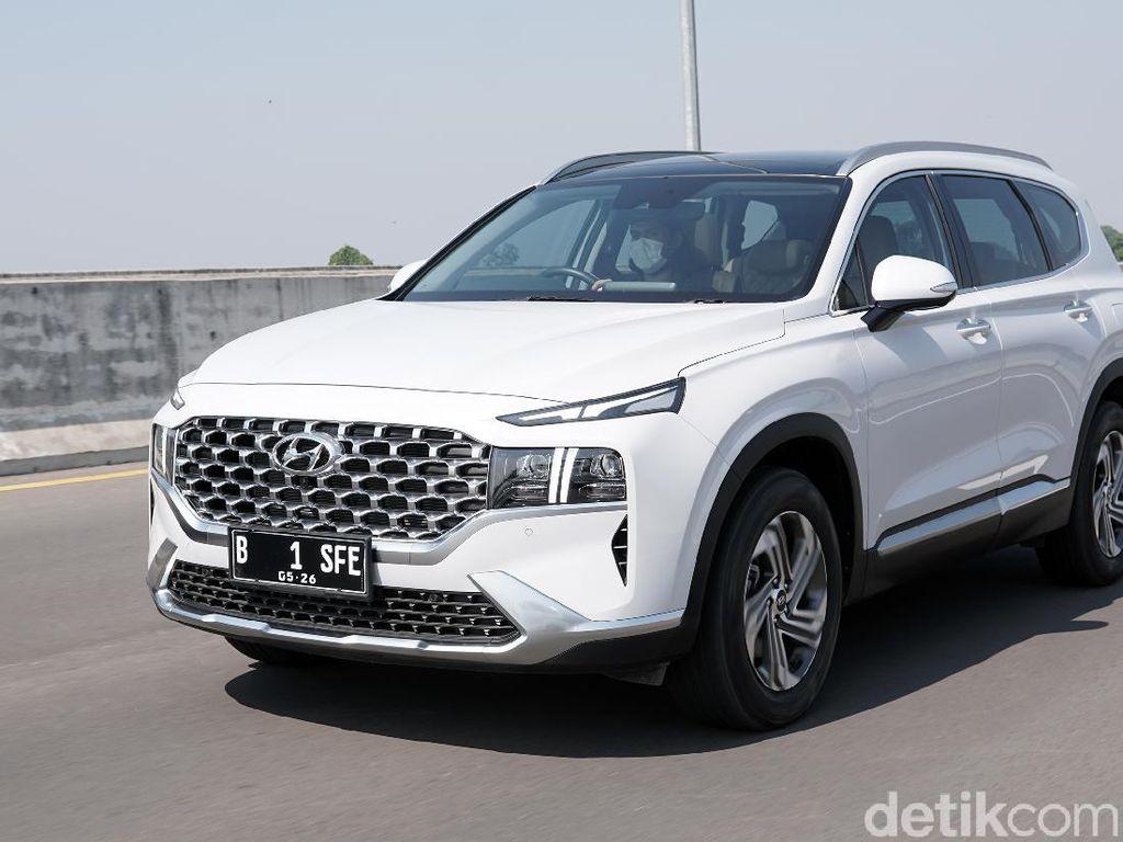 Hyundai Santa Fe 2021: Pilih Mesin Bensin atau Diesel?
