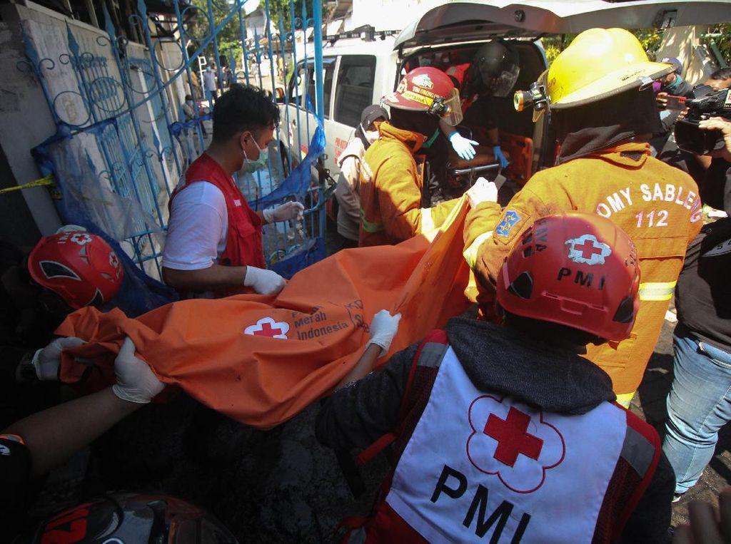Kebakaran di Perumahan Dosen ITS Surabaya Tewaskan 1 Warga
