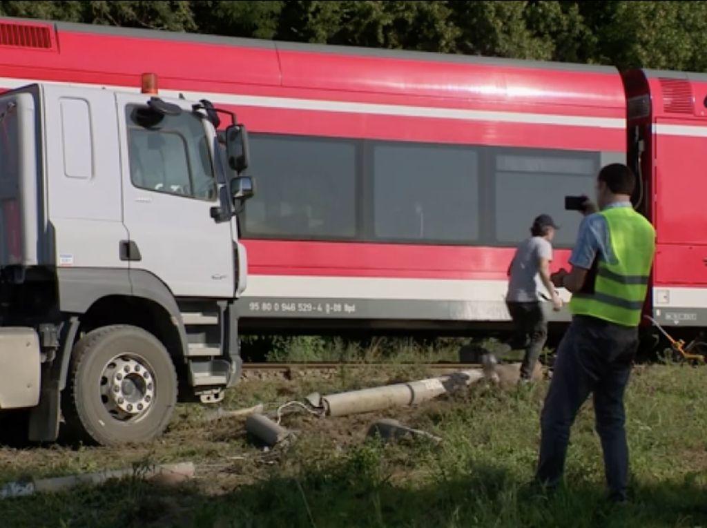 Kereta Tujuan Berlin Tergelincir di Polandia, 8 Orang Terluka