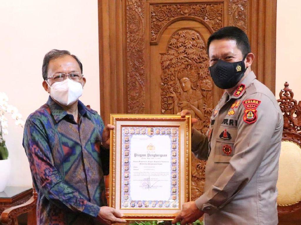Gubernur Bali Terima Penghargaan Penerapan PPKM Mikro Terbaik dari Kapolri