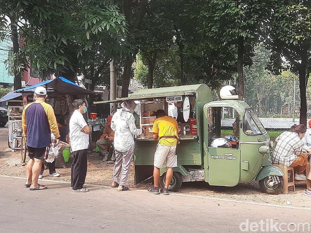 Ayam Panggang ala Rowstid Chikin Dijual di Lapak Bajaj