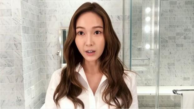 Jessica tidak pernah lupa menggunakan sunscreen