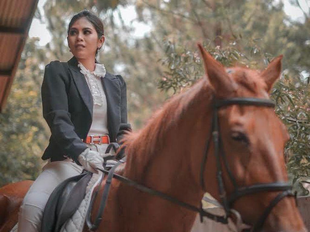 Jatuh Hingga Cedera, Inggrid Rhemanty Tak Kapok Berkuda