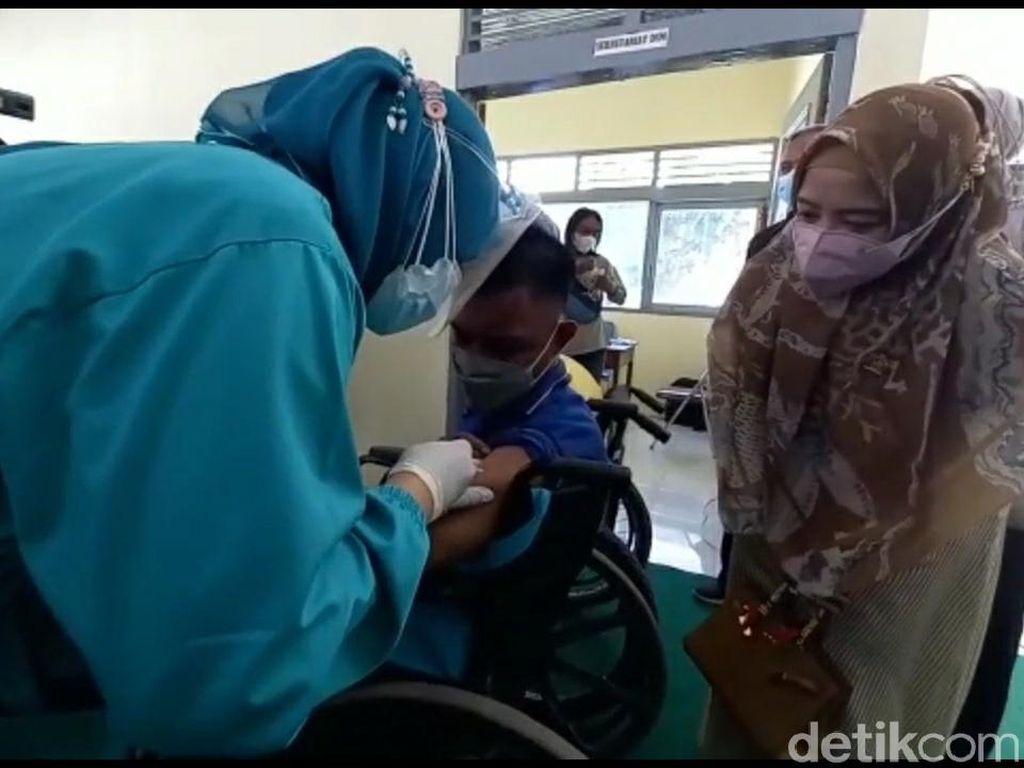Vaksinasi Dosis 1 Penyandang Disabilitas di Jawa-Bali Hampir 100%