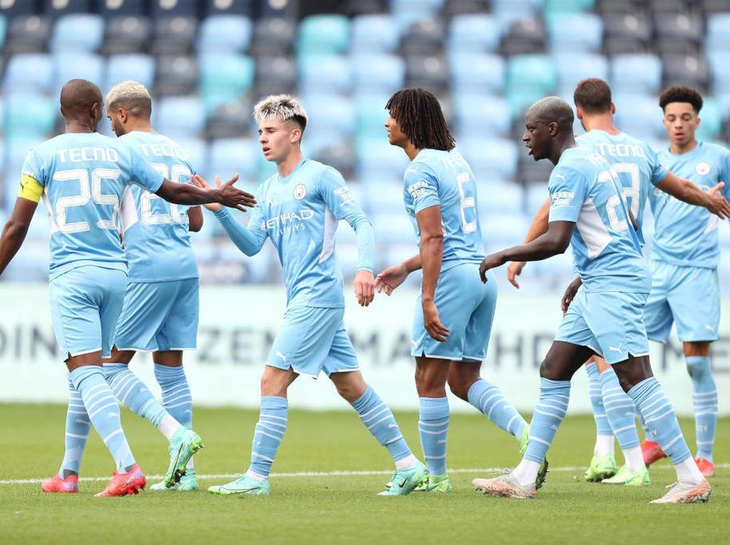 Hasil Laga Uji Coba: Manchester City Hajar Barnsley 4-0