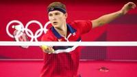 Axelsen Maju ke Final Olimpiade, Tunggu Pemenang Ginting Vs Chen Long