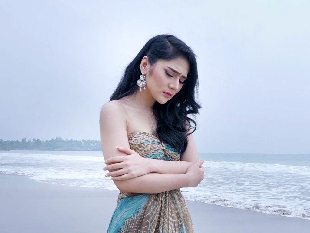 Bella Nova Buka Suara soal Single Barunya Disebut Mirip Lagu Dewi Perssik