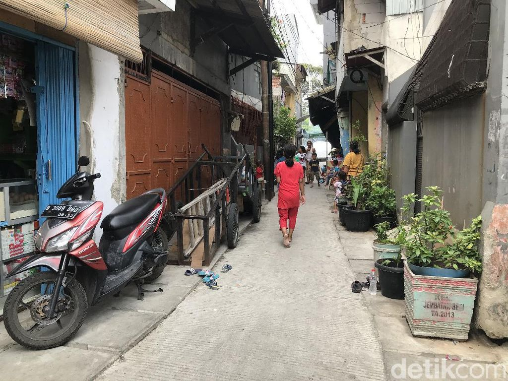 Tutup Got di Tambora Tak Lagi Halangi Rumah, Jalan Gang Sudah Dibeton