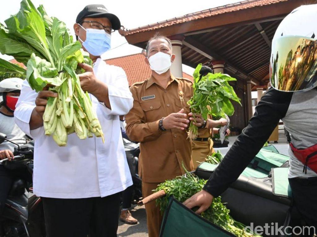 Warga Cukup Klik, Belanjaan dari Pasar Kota Pasuruan Sampai di Rumah