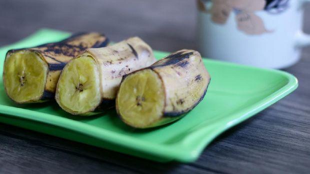 ilustrasi foto pisang rebus