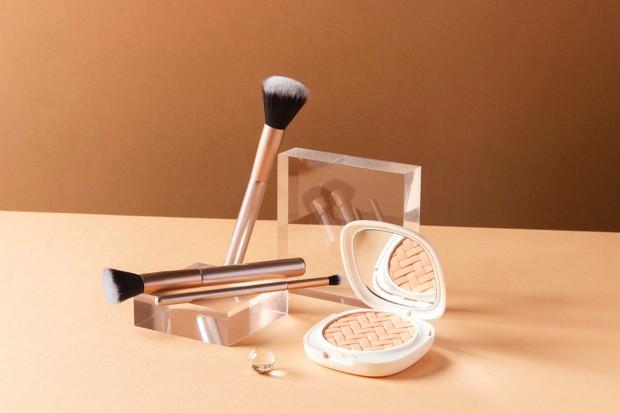 Makeup dan skincare | Foto : freepik