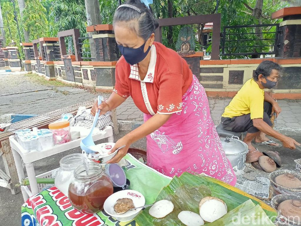 Empuk Manis Serabi Kuah Ponorogo Legendaris Sejak 1991