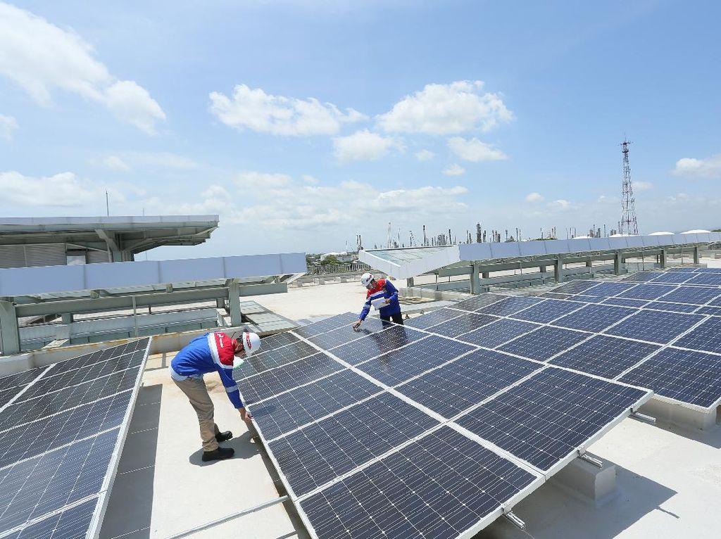Turunkan Emisi, Pertamina Targetkan Pasang PLTS Kapasitas Total 500 MW