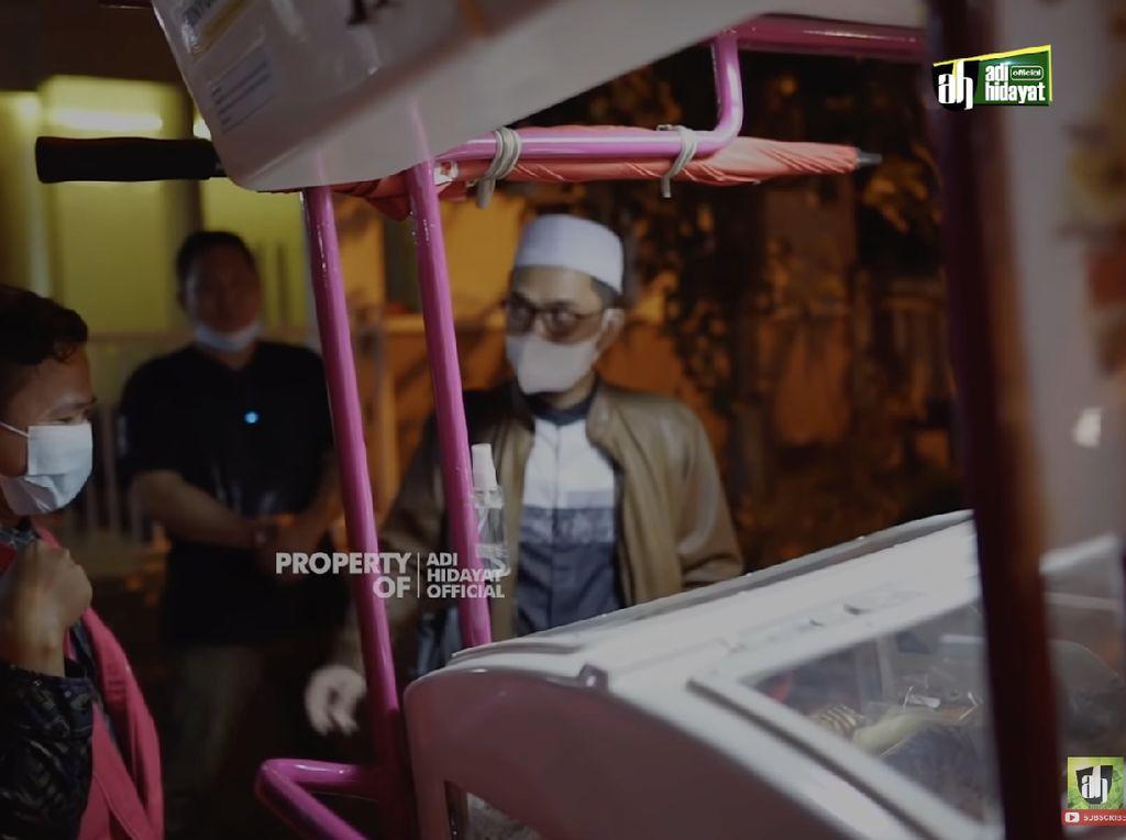Viral Ustaz Adi Hidayat Nawar Roti, dari Harga Rp 86 Ribu Jadi Rp 1 Juta!