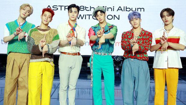 Boyband Korea Selatan, ASTRO, comeback dengan SWITCH ON.