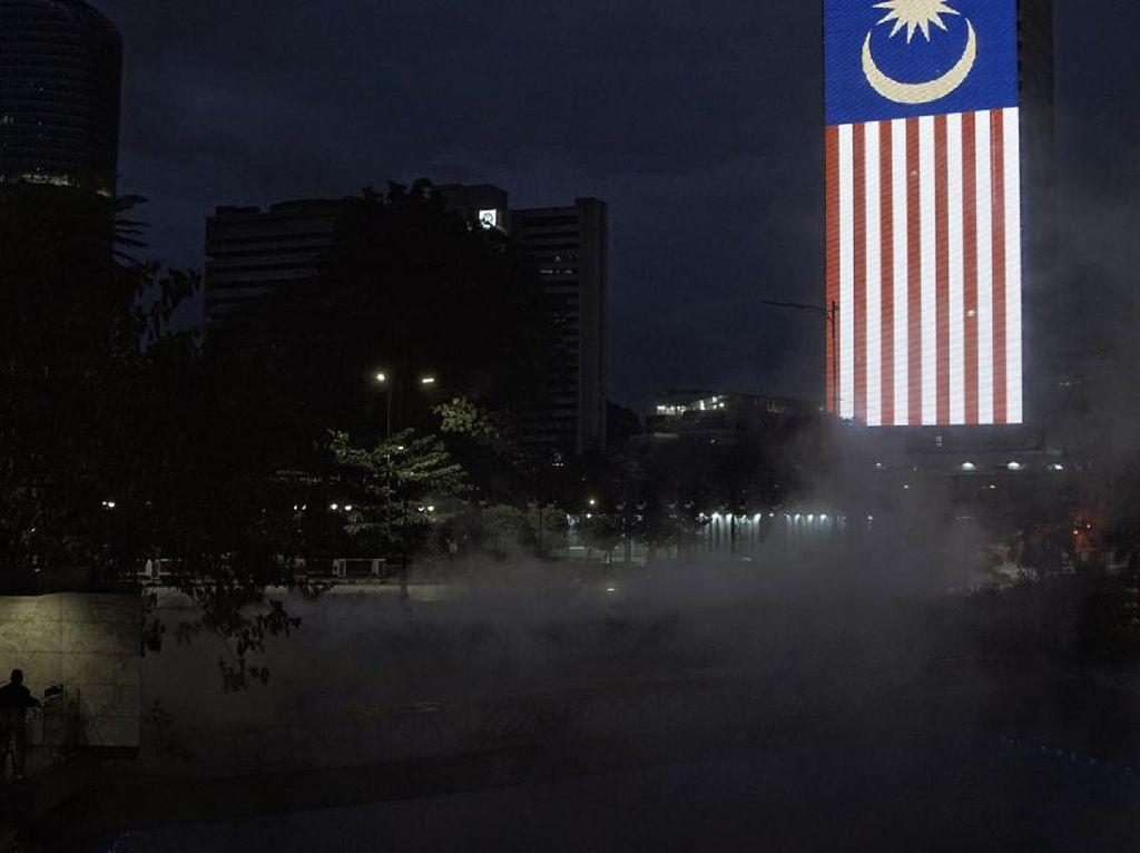 Laporan Kasus COVID-19 di Malaysia vs Indonesia Sepekan Terakhir