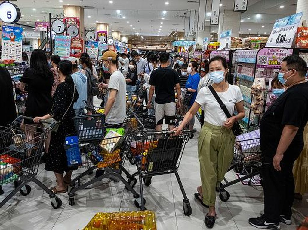 Corona Datang Lagi, Warga Wuhan Panic Buying!