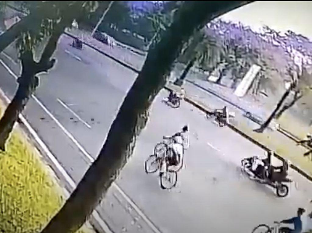Pelajaran dari Pemotor Honda Beat Tewas Ditabrak Moge di Bintaro