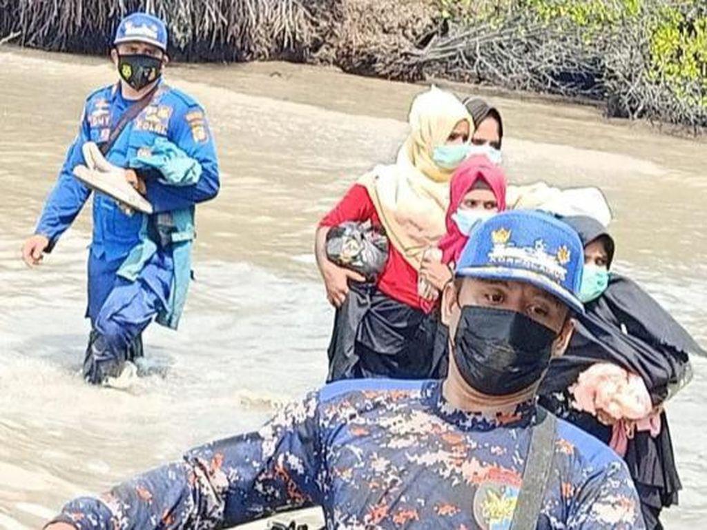 4 Warga Rohingya Ditangkap di Pantai Riau Saat Hendak ke Malaysia