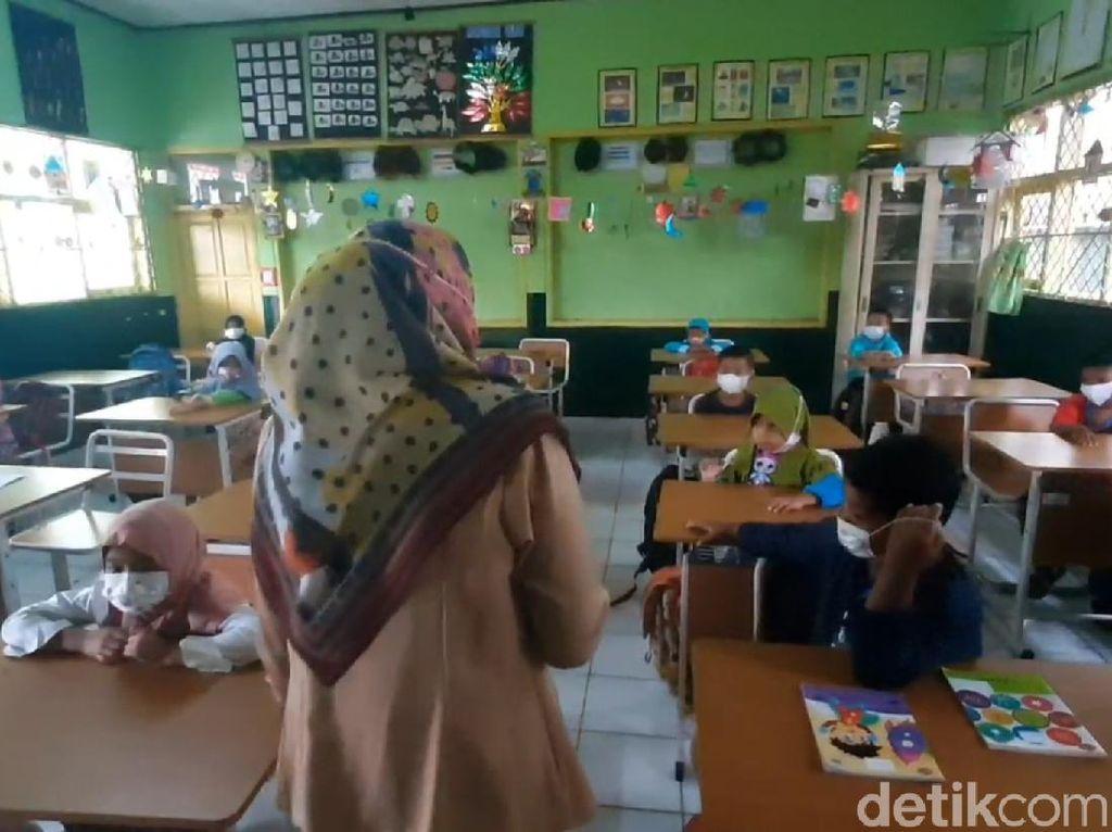 Daftar Wilayah Level 4, 3, 2 PPKM Diperpanjang dan Sekolah Tatap Muka